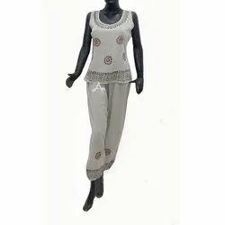 Dyed Olive Ladies Sleevless Two Piece Pajama Set, Free Size