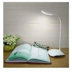 Chinese Ceramic Small Desk Light, 5 W