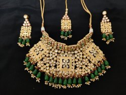 Vilandi Kundan choker Necklace Set