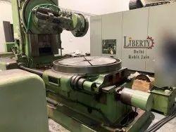 TOS FO16 Gear Hobbing Machine