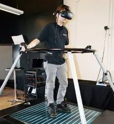 VR Unlimited Space Walk