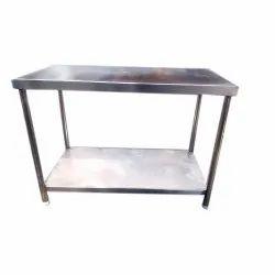 Stainless Steel Work Table, For Restaurant, Number of Shelves: 2