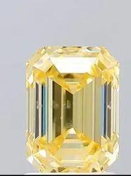 Arihant创造者1.59 Cts祖母绿切割黄色钻石Vs Clarity