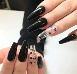 black Artificial Nails