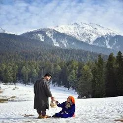 2 To 40 Amazing Kashmir with Dodhpathri Deluxe Package