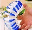 FLEXIBLE PLASTIC CLEANING BRUSH