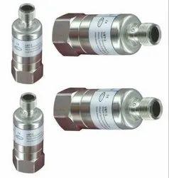 VIBRATION TRANSMITTER - Dwyer Instruments