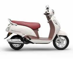 White Suzuki Access 125 Special Edition Scooter