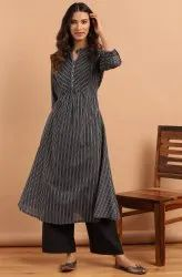 Janasya Women's Black Cotton Kurta (J0187)