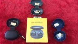 Black Wireless Real Me Earbud