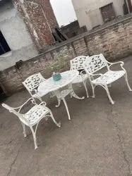 Cast Aluminium Furniture, Size: Table 34*34*27 Chair 21*18*17