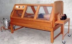 Wooden Sarvang Vashpa Swedan Bed With Acrylic Windows, IMI-2260, For Steam Bath