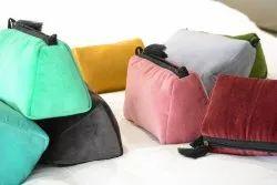 Knilot Zipper Velvet beauty pouch, For Girls