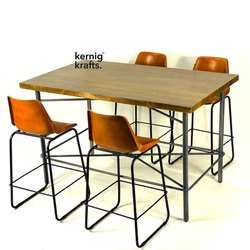 Brown Industrial Restaurant And Bar Coffee Table With Four Vintage Chairs