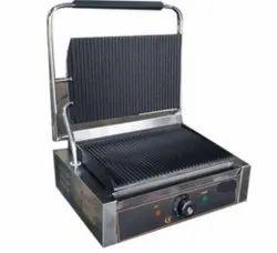 Stainless Steel Jumbo Sandwich Griller, For Restaurant, Capacity: 4 Slices