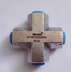 Cross-Tee