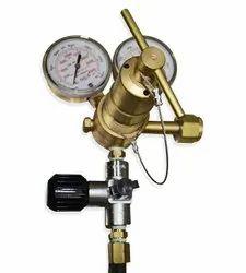 Hospital Oxygen Regulator With Flow Gauge