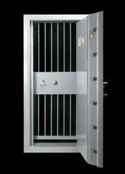Mild Steel Hinged Strongroom Security Doors, For Jewellery Showroom And Banks
