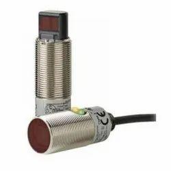 E3FB-DP11 Omron Photoelectric Sensor