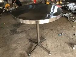 Standard Polished Stainless Steel Round Standing Table, For Hotel, Size: 3ft Diameter