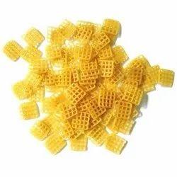Square Plain Pellet Fryums, Packaging Size: 30 Kg