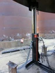 Telescopic jacks for erection of Bolted Tanks