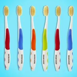 Colgate 4 To 50 Toothbrush, For Cleaning Teeth