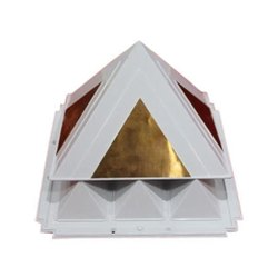 9 x 9 Plastic Pyramid Max