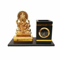 TWG Handicraft Analog Table Clock With Figurine, Shape: Square, Size: Small