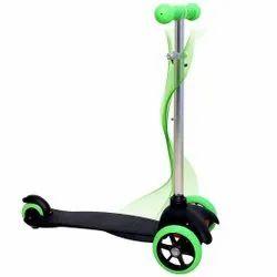 Green 3 wheel manual scooter