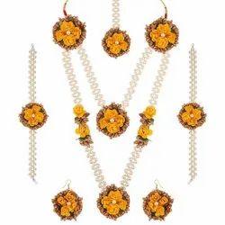 Floral Red Flower Jewellery Maang Tikka Necklaces Earrings Set