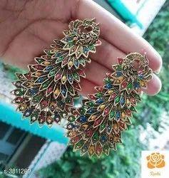 Earrings. Rs:260