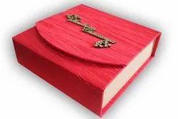 Cardboard Red Box Wedding Card, 1 Leaflet