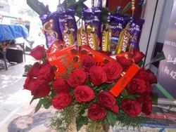 Rose Bouquet Bouquet Packing Charming Delight With Chocolate Bouquets