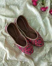 Shahi Women Printed Fancy Jutti
