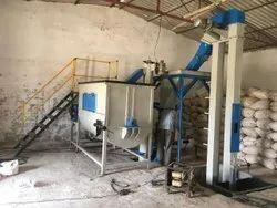 Broiler chicken feeding machine