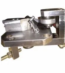 Stainless Steel Polished Pipe Banding Fixtures, For VMC