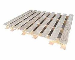 Rectangular Brown Hardwood Four Way Wooden Pallet