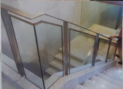 Stairs Panel Stainless Steel Glass Stair Railing, For Home, Material Grade: SS302