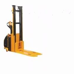 SEMI/FULLY ELECTRIC STACKER