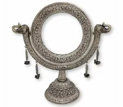 Silver Plated Round Table Stand Mirror For Home Decoration & Corporate Gift