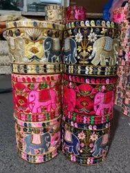 丝绒大象设计刺绣帕西花边,宽度:2.5至5米,尺寸:9米每卷