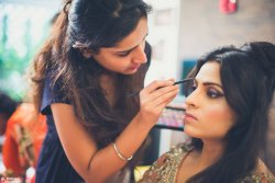 Best Beauty Parlour And Makeup For Ladies At Home In Shaheed Path
