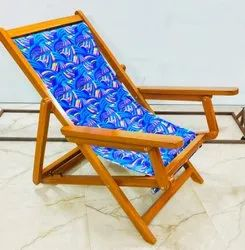 Wooden Easy Chair With Cloth