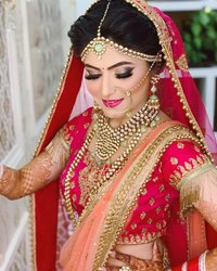 Best Beauty Parlour and Makeup for Ladies at Home in Dariyabad..