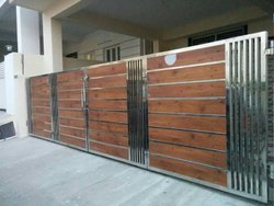 Manual Brown and Sliver Stainless Steel Sliding Gate, For Home