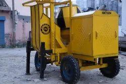 Concrete Mixer Machine with Lift Attache