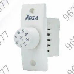 White Polycarbonate Vega 7 Step Fan Regulator, Number Of Modules: 1