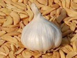 MOR Original Indian Taste Dried Garlic Flake, Packaging: Plastic Bag or Polythene, Gujarat