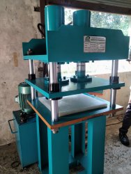 Four Pillar Type Hydraulic Press.